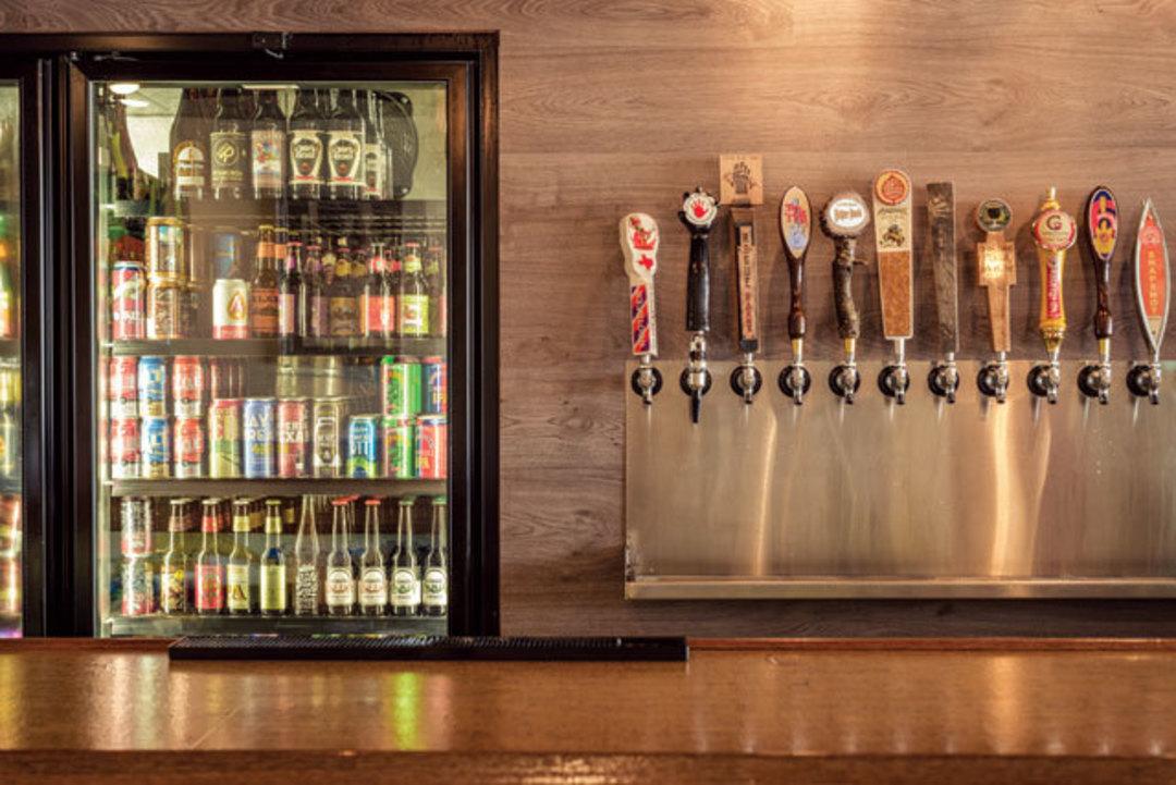 Houston S 6 Best Beer Bars Houstonia