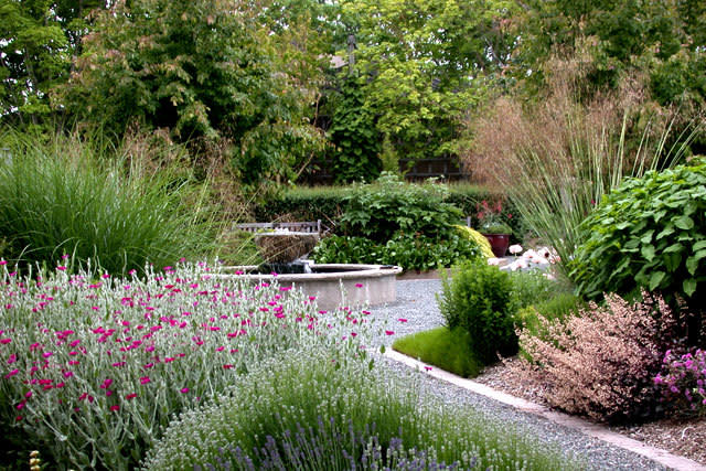 Bon Soest Herbaceous Display Garden
