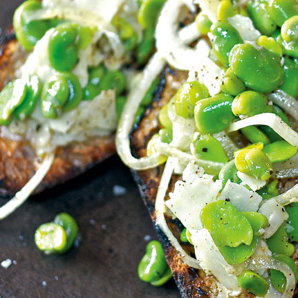 Fava beans with bruschetta vrfvcp