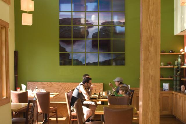 06 69 eat drink jade bead42