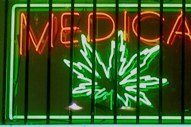 Medical marijuana sign ubqqpe