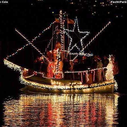 Christmas boat x6njha