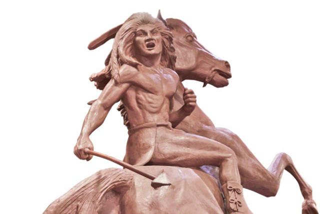 0113 towering warrior statue djpbrq