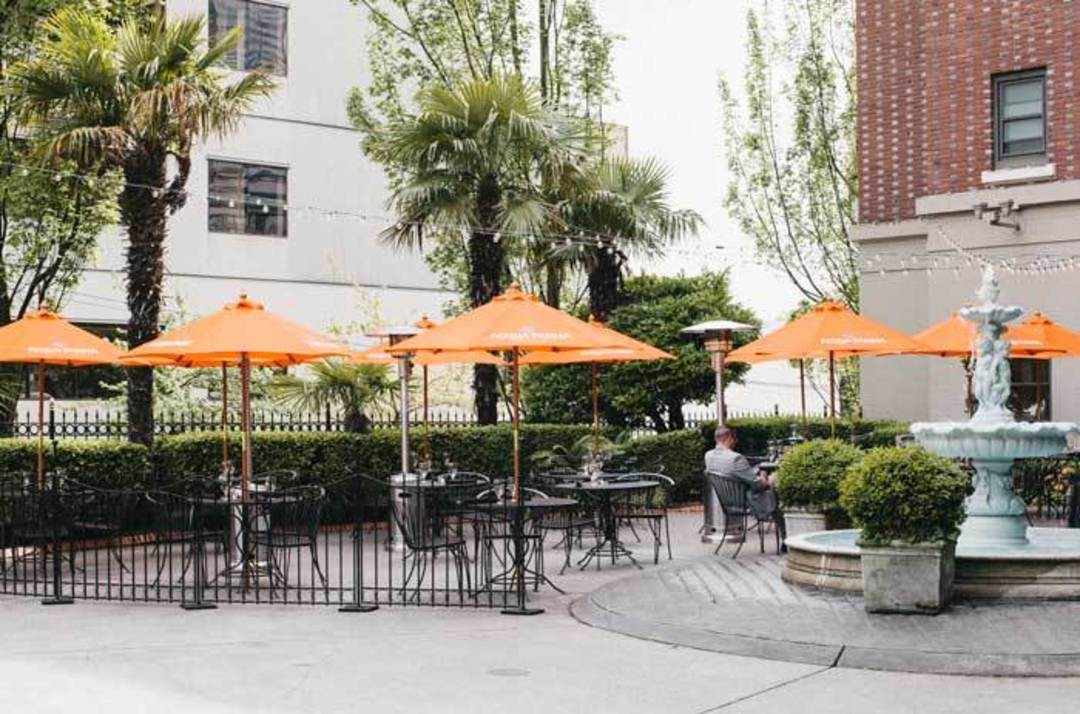 Merveilleux Patio Of The Week: The Piazza At The Sorrento Hotel