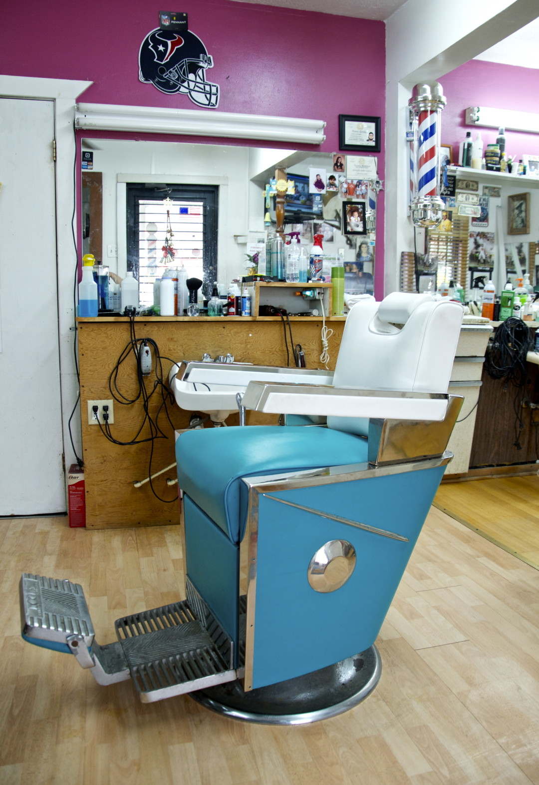 is this the most old school barber shop in houston houstonia