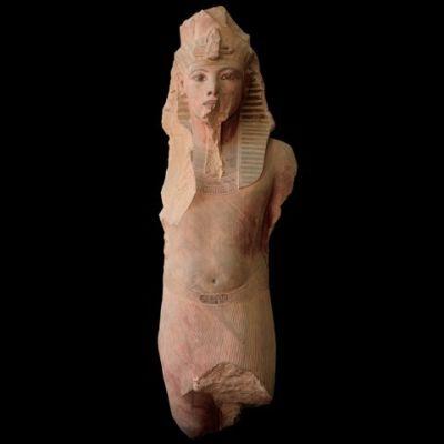 1112 statue king tut ib8jex