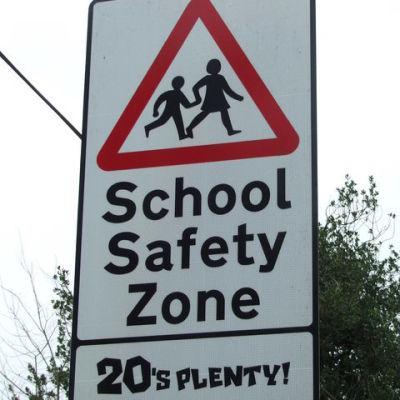 Schoolroad zjnc8g
