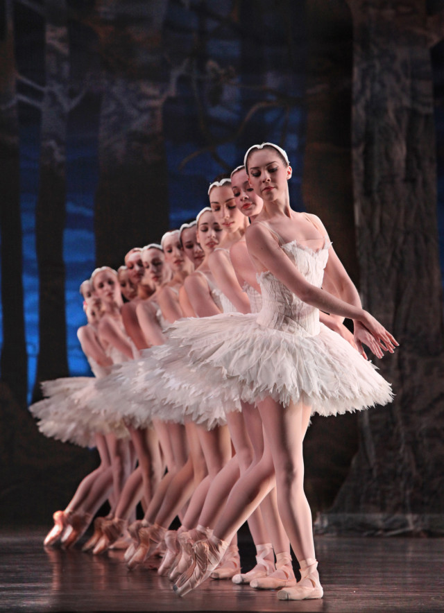 Houston ballet   swan lake  katharine precourt and artists of houston ballet  kyak9t