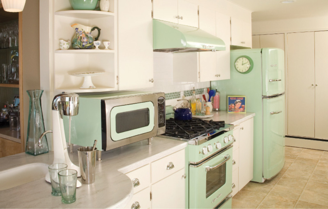 Captivating Vintage Style Appliances With Modern Features Inspire A Kitchen Makeover.