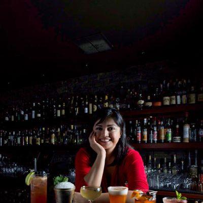 Anuapte cocktailsheadshot vzazdg
