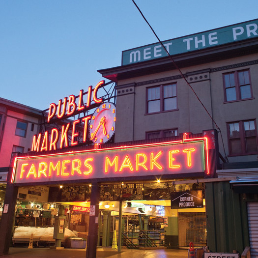 Pike place market early morning m6bo2x
