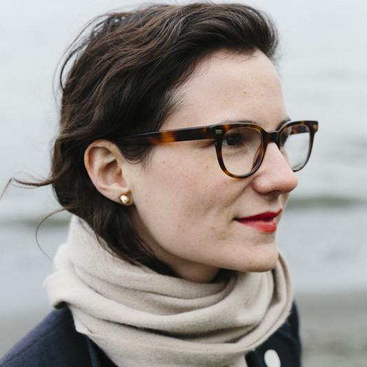 Alexa anderson earring aqaxyg