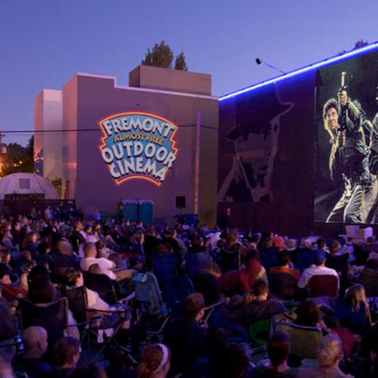 061013 outdoor movies cwm7q9