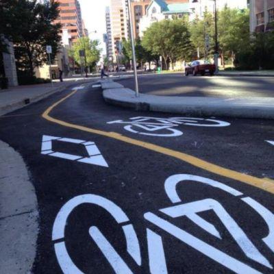 Calgary separated bike lanes. image kyle bakx lpimop