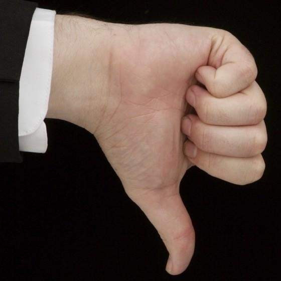 Left thumbs down atse53