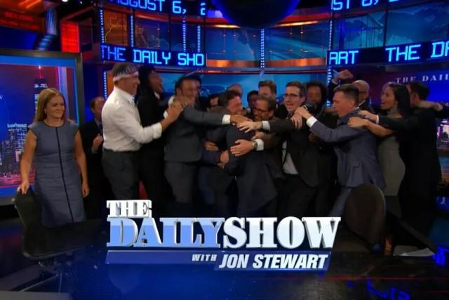 Daily show hug bjv7ze