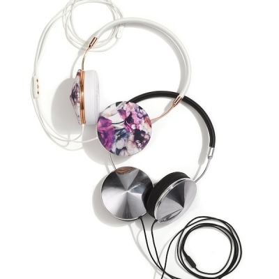 Frends taylor headphones in floral and silver black     132.90 sale   199.99 after sale hv6chi