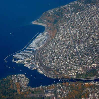 800px aerial view of ballard seattle d5yezw
