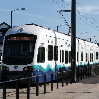800px sound transit link light rail train jsd2qs