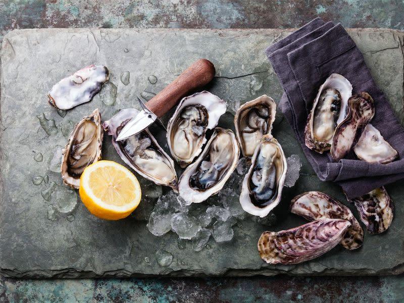 Bottlehouse oysters  1  2 0 0 hwmmwb