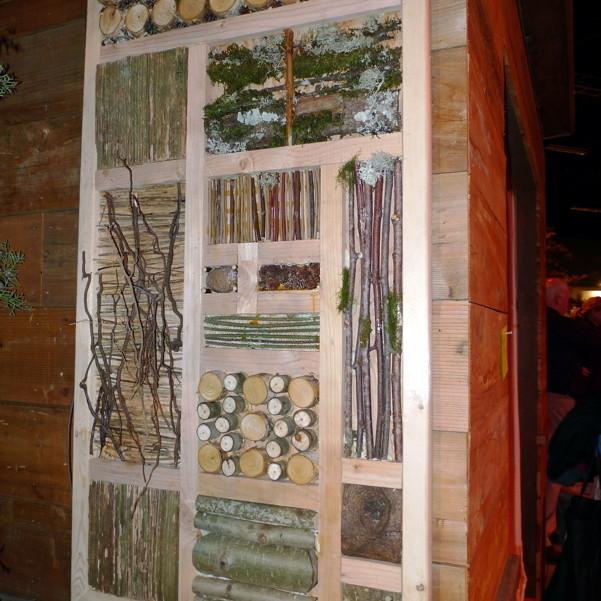 Olivine s insect habitat tj50cq
