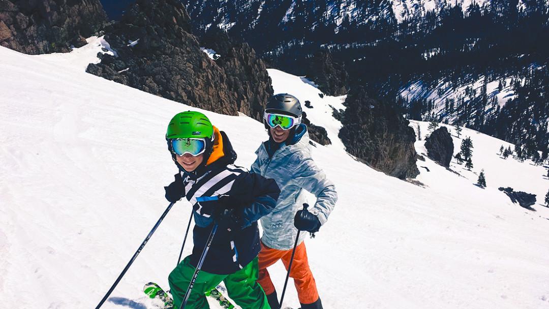 0215 three bum 2 climbers j0oj37