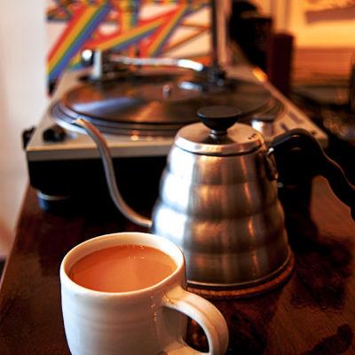 12 083 eat drink courier coffee r5bimz