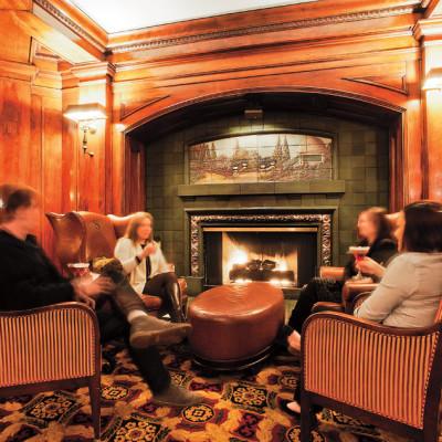 Sorrento hotel fireside room kvn99o