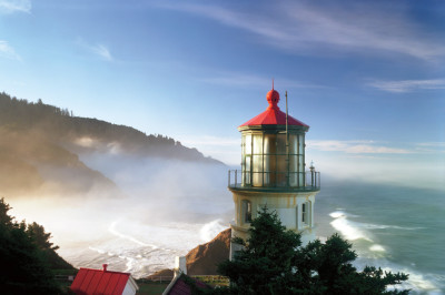 Oregon coast lighthouse j5iwtz