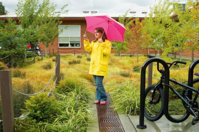 0711 pg035 mudroom umbrella e0y7al