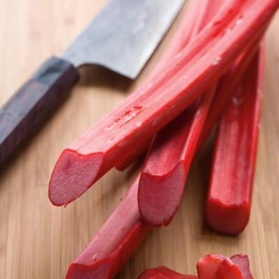 0805 pg143 savor rhubarb kefb8e