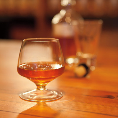 Amaro in snifter xeip2t