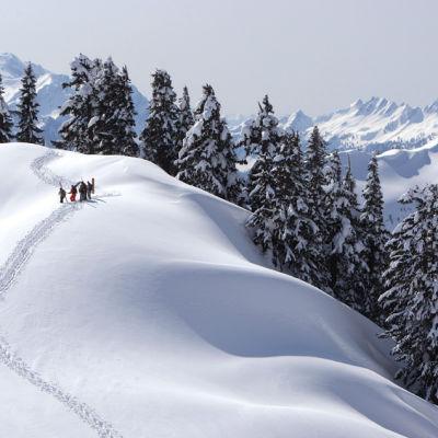 Snow mountain landscape lqneh4
