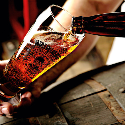 0710 pg149 pour beer hcxr6d