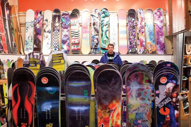 bryce phillips evo snowboards