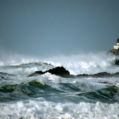 Storm waves lighthouse ks5haz