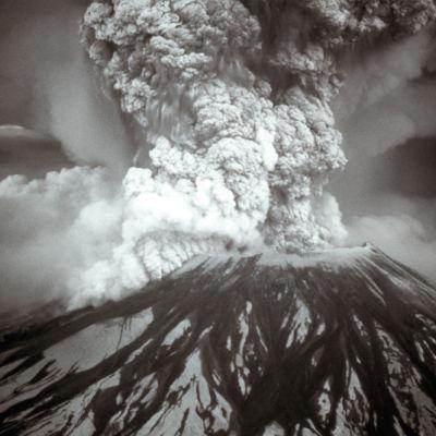 0614 mount st helens eruption 05 18 80 e7ocbv