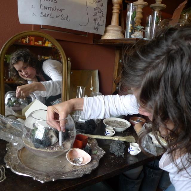 Amy making terrarium qtai2k