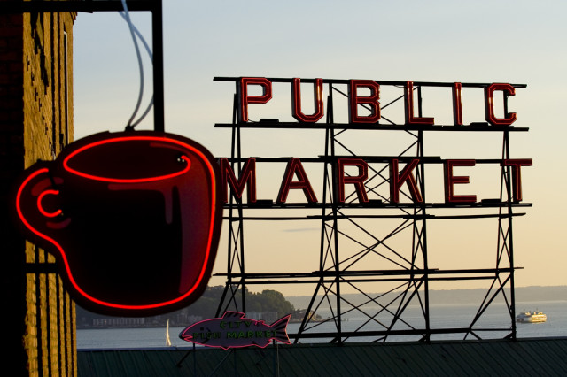 Seattle pike place market sign gcmpkx