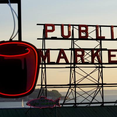 Seattle pike place market sign jezpv3