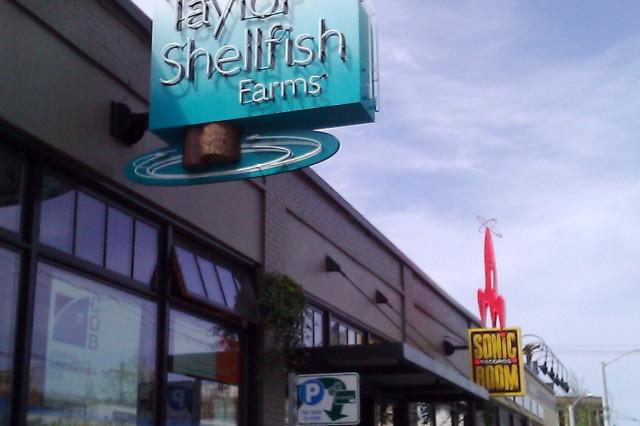 Taylor shellfish melrose seattle sign hz26q6