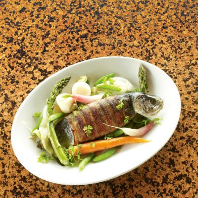 0707 pg173 dining cat1 l0yvhl