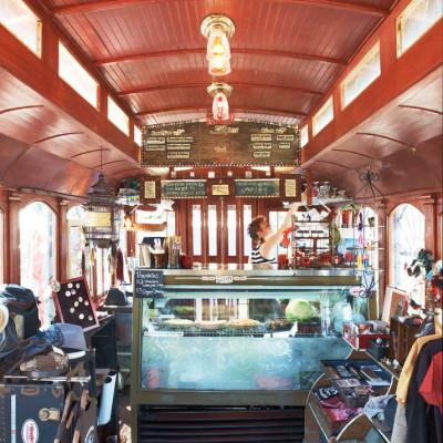 09 59 foodcarts googies streetcar f065mz