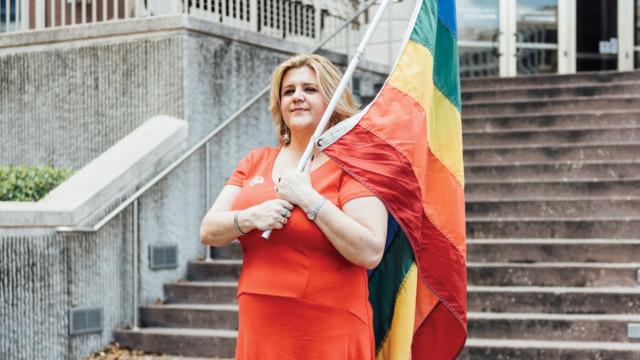 0815 ice house kymberlie mcguire same sex marriage pride flag epi1o0