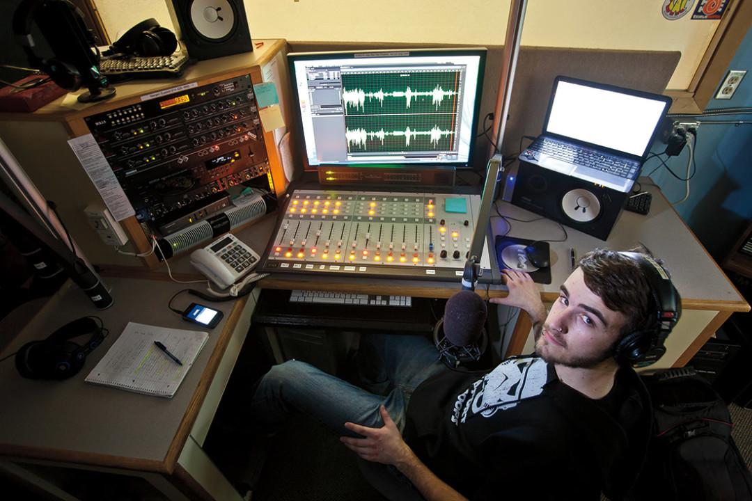 0215 college radio on air iquk5t