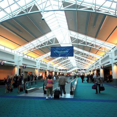 Portland international airport terminal eric broder van dyke xb7ohx
