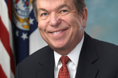 Roy blunt official portrait 112th congress eo1maa
