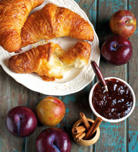 croissant local preserves