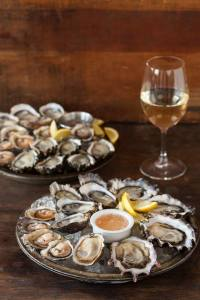 Taylor Shellfish Oyster Bar opens in Queen Anne