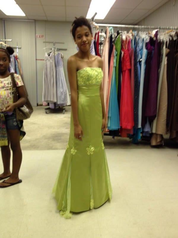 Sarasota\'s Cinderella\'s Closet Makes Prom Dress Dreams Come True ...